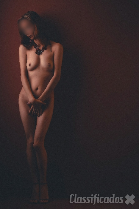 Linda massagista: ruivinha cheirosa, charmosa e completa.