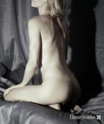 Lorena Ferrarezi - Minha especialidade é te fazer relaxar.